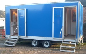 portable-toilet-trailer